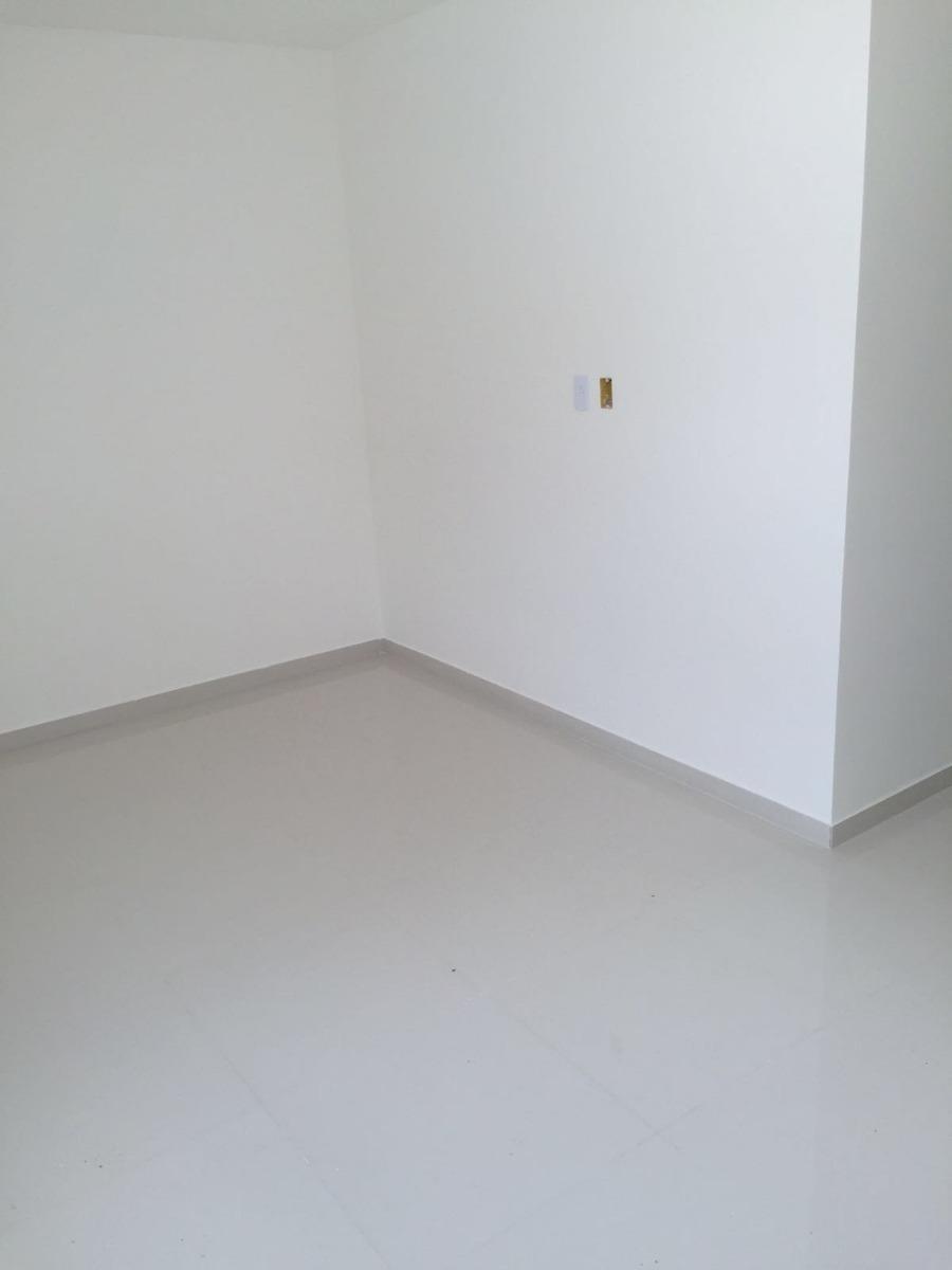 casa diferenciada 3/4,com suite,no melhor do campo limpo