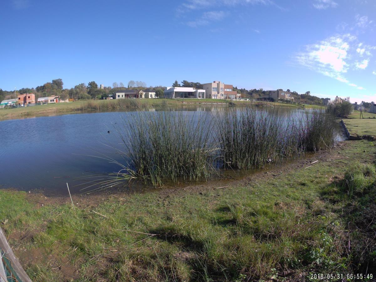 casa diseño moderno a estrenar a la laguna. cantón norte. 5 ambientes