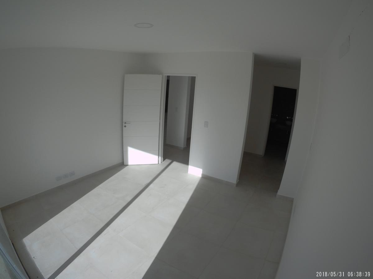 casa diseño moderno a estrenar. cantón puerto. 5 ambientes