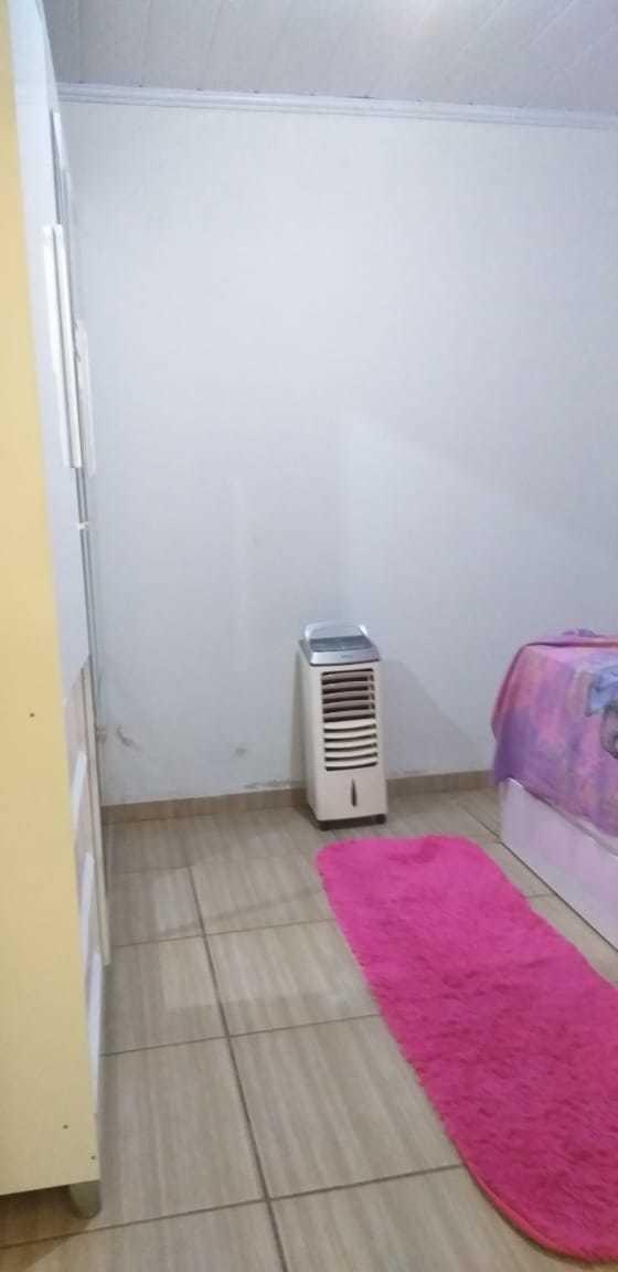 casa dois quartos e dois banheiros