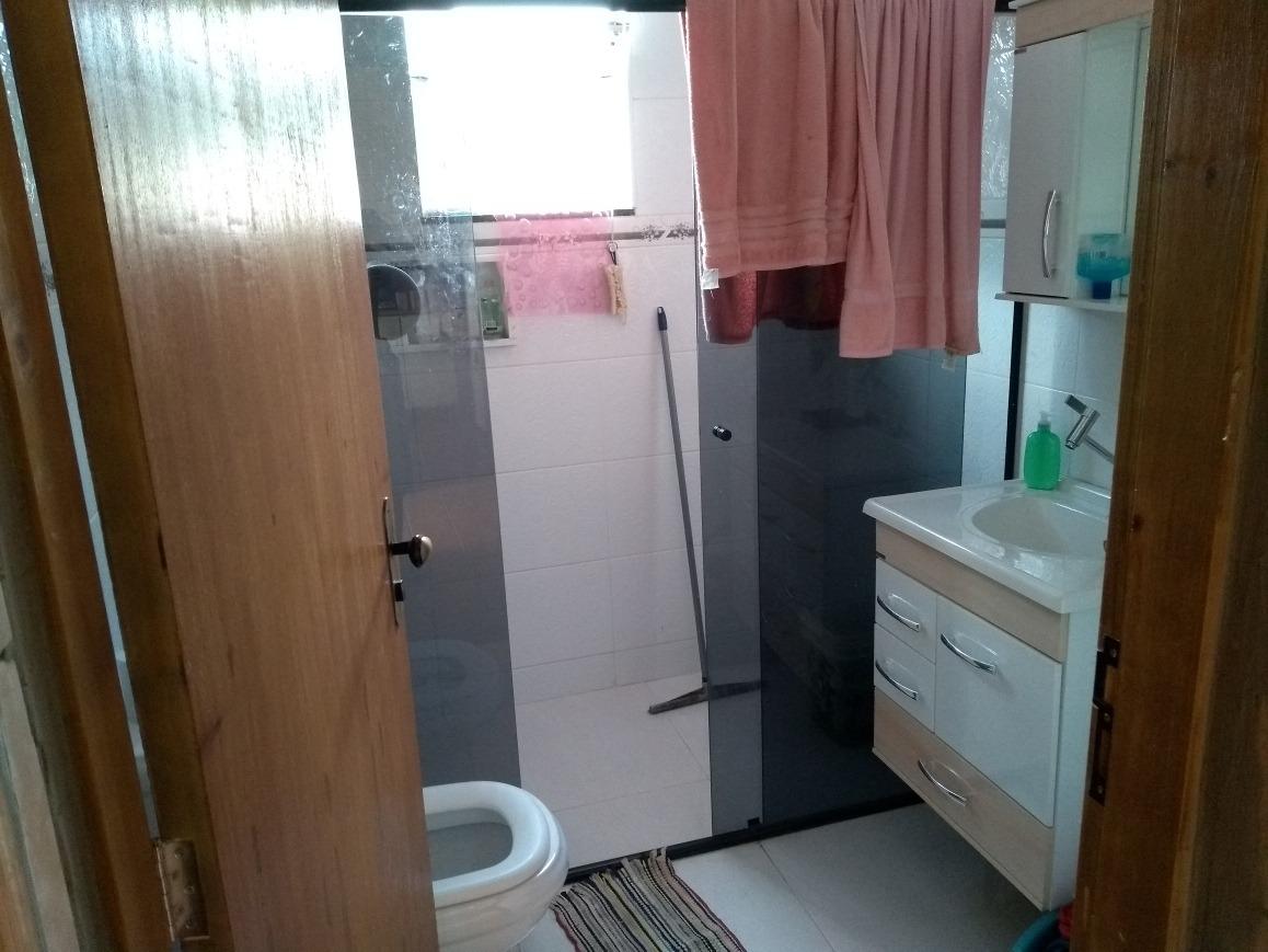 casa dois quartos sala cozinha banheiro garagem