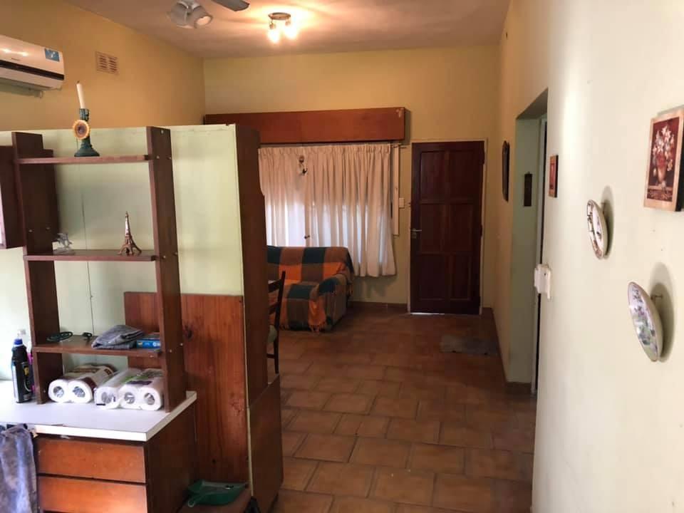 casa dos ambientes lote 300 m2 barrio de vienzo grande pilar