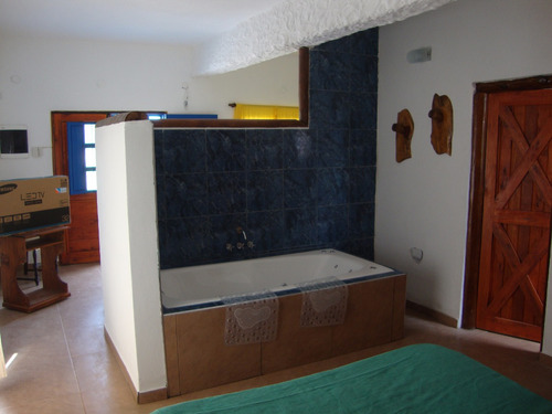 casa dos ambientes para matrimonio y un niño