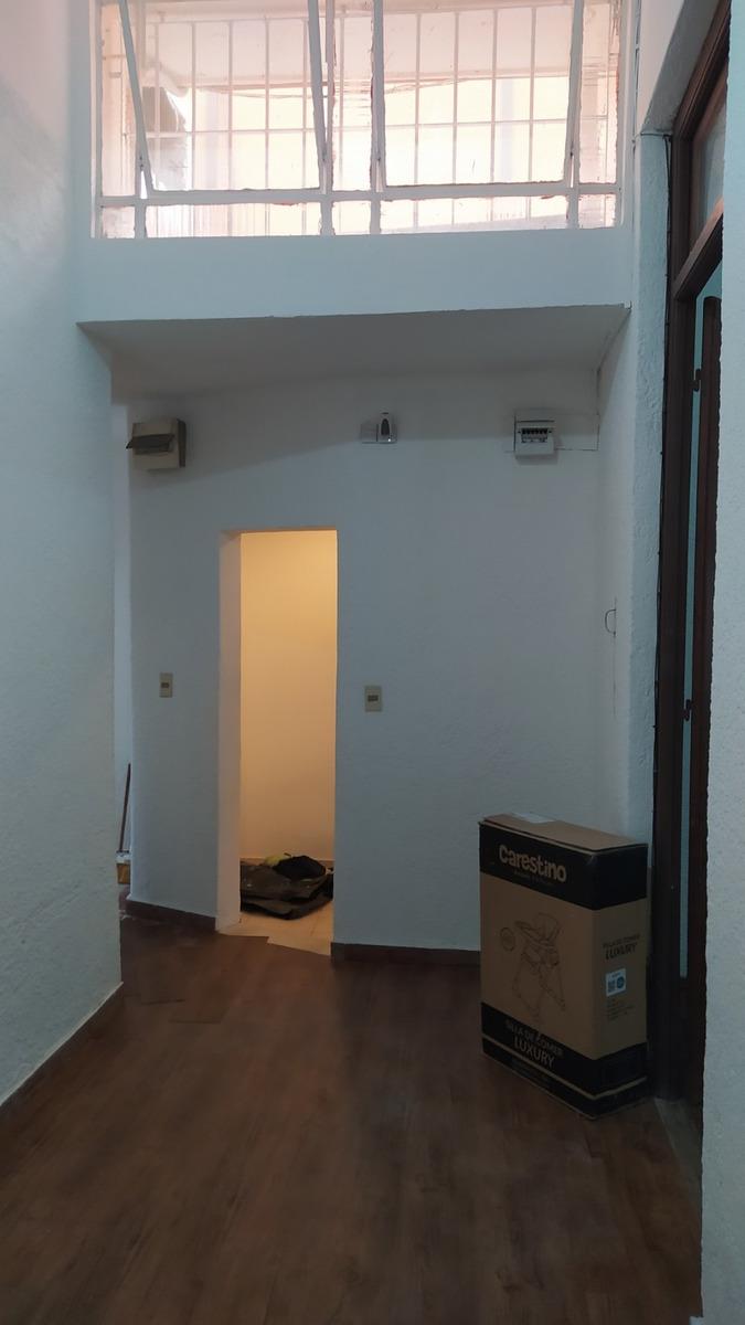 casa dos dormitorios con azotea transitable y parrillero