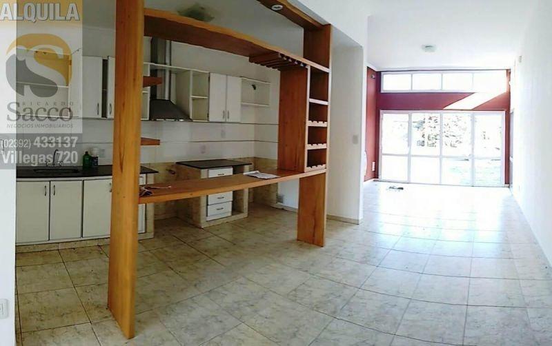 casa dos dormitorios en venta barrio parque #trenquelauquen