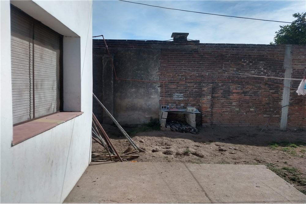casa dos dormitorios los platanos +dpto a reciclar