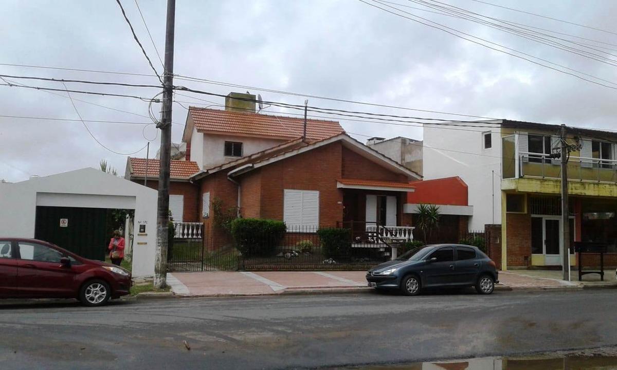 casa dos plantas -muy buena!!!!