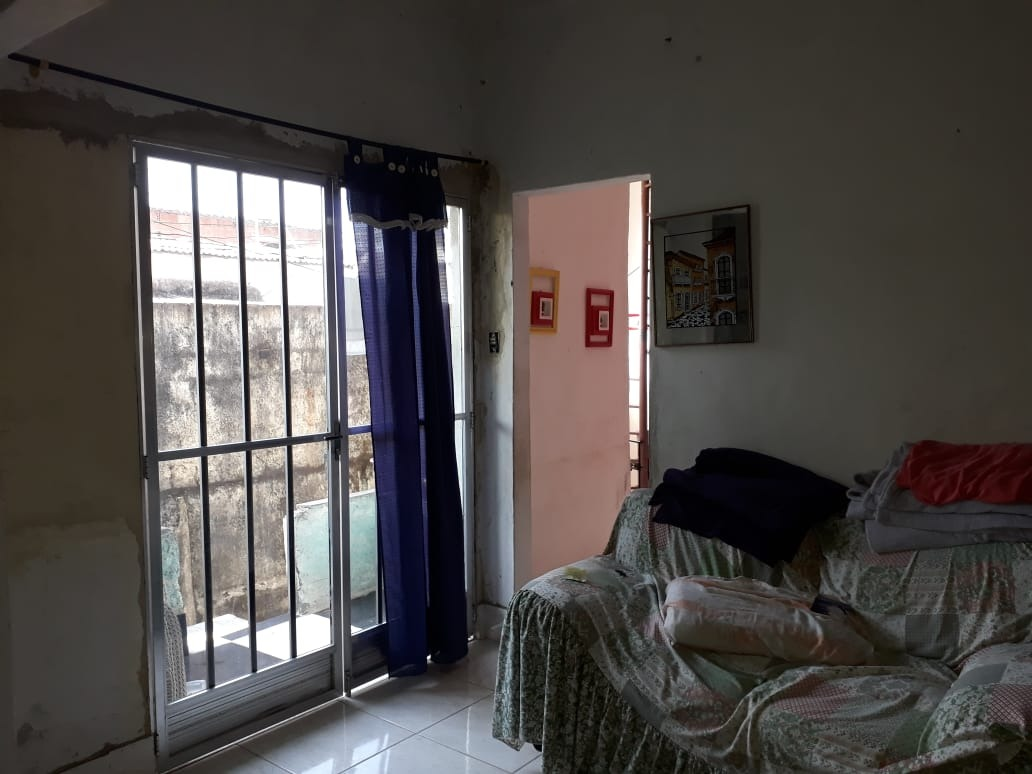 casa duplex 2 quartos, sendo 1 suite, em sepetiba