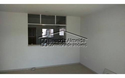 casa duplex de 2 quartos sendo 2 suítes próximo a praia de itaipuaçu