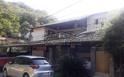 casa duplex em condomínio de 6 quartos, sendo 2 suítes, em itaipu - niterói