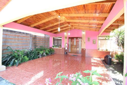 casa elegante en venta en santo domingo (nhp-436)