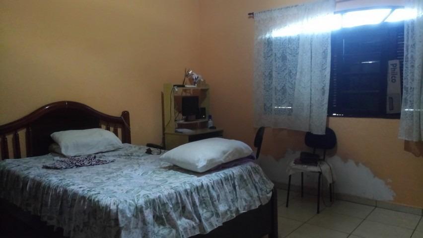 casa em amplo quintal - piscina com cascata -praia das palmeira - 145