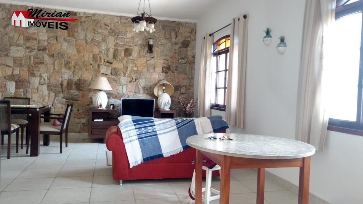 casa em bairro nobre a 600 metros do mar 3 dormitórios sendo 1 suite,sala cozinha com armários planejados wc social,lavanderia  edícula com wc e espaço gourmet r$330.000 marque de - ca01034 - 33511297