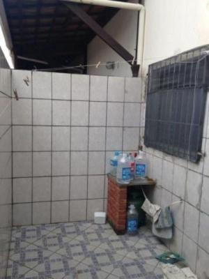 casa em condomínio c/ 2 dorm. em mongaguá, lado praia!