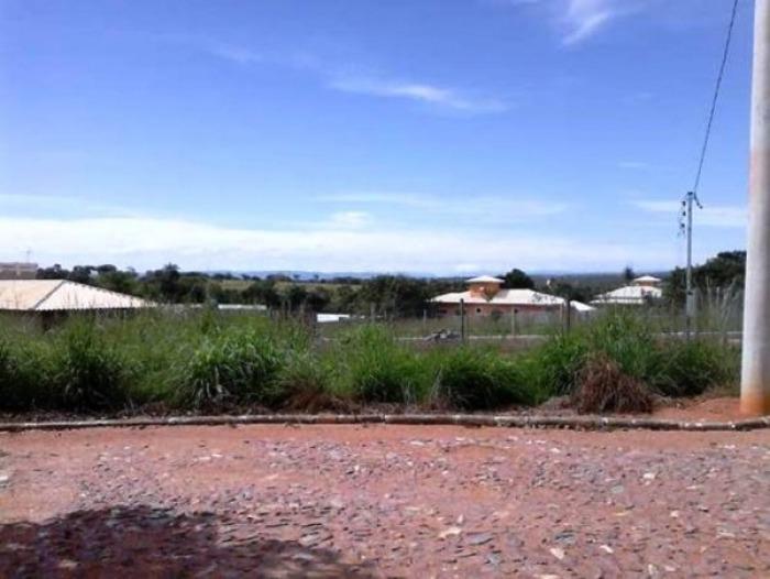 casa em condomínio com 05 anos de construções, área do lote 1.000 m² - 686