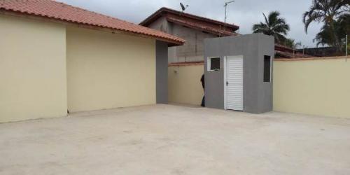 casa em condomínio com piscina