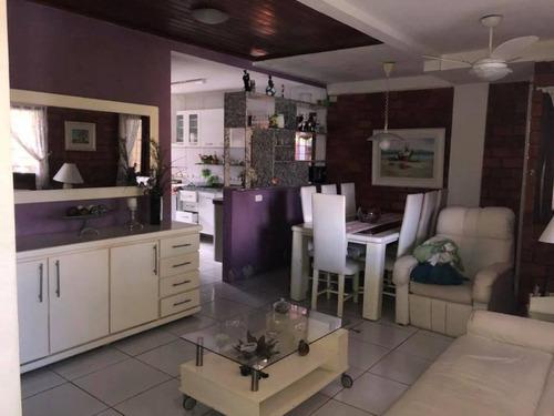 casa em condomínio em gravatá pe  ref.d030