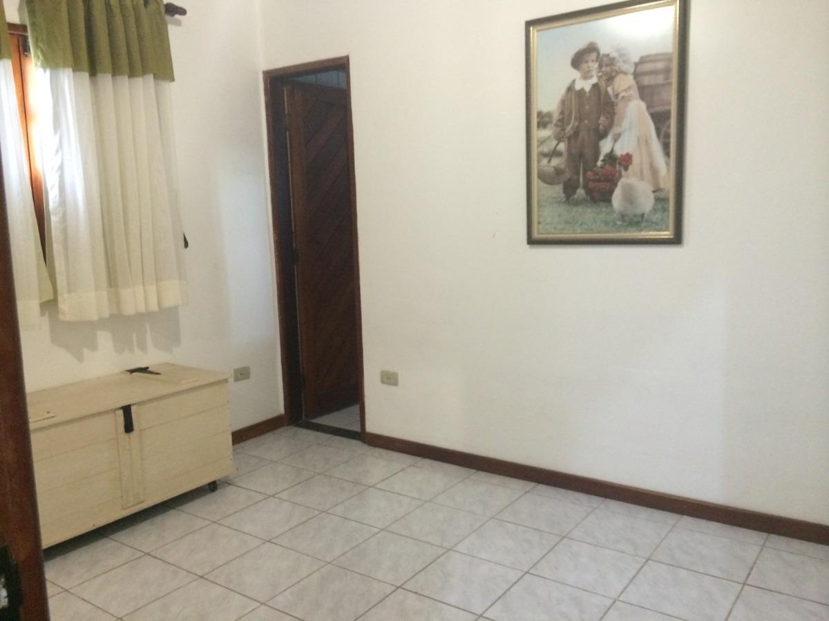 casa em condomínio em gravatá pe  ref.d054