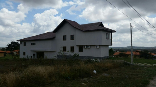 casa em condomínio em gravatá pe  ref.d075