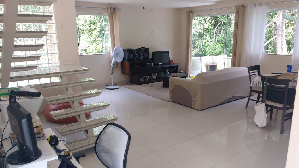 casa em condomínio em pendotiba