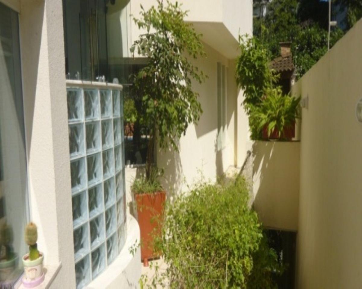 casa em condomínio fechado no horta florestal,sakvador a casa tem um ótimo  projeto, primando a praticidade, iluminação e ventilação, casa com 4  pavimentos:   5/4 sendo 3 suites, - 203 - 31992956