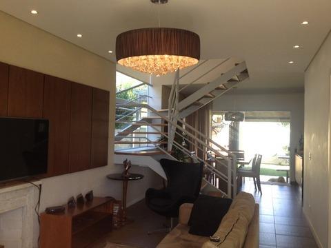 casa em condomínio, piso porcelanato no térreo. ref 64174