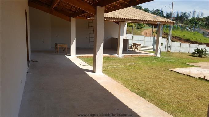 casa em condomínio região de atibaia.