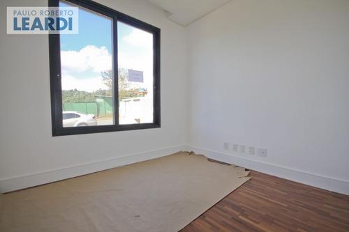 casa em condomínio tamboré - santana de parnaíba - ref: 493239