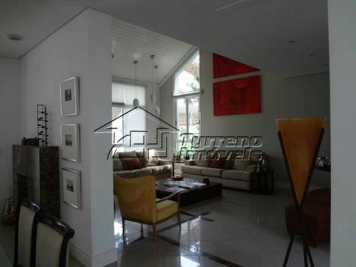 casa em condomínio totalmente mobiliada