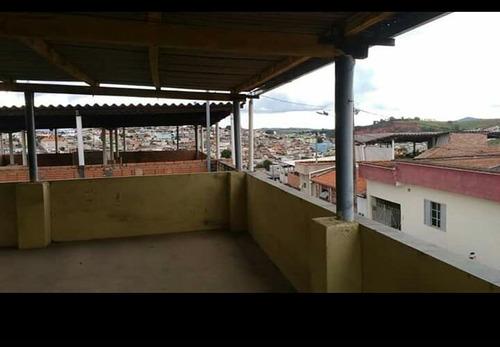 casa em cruzília , sul de minas, com 03 quartos , 02 salas , cozinha com fogão de lenha. - 430