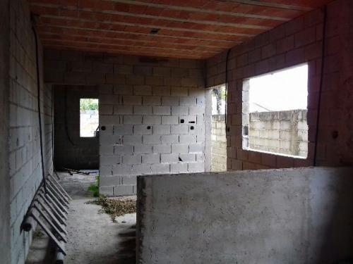 casa em fase de acabamento, no bairro bopiranga, em itanhaém