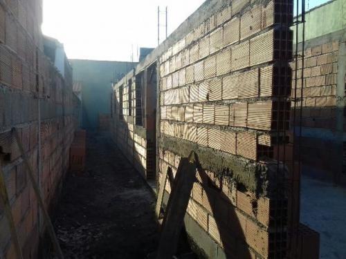 casa em fase de acabamento no balneário tupy, em itanhaém