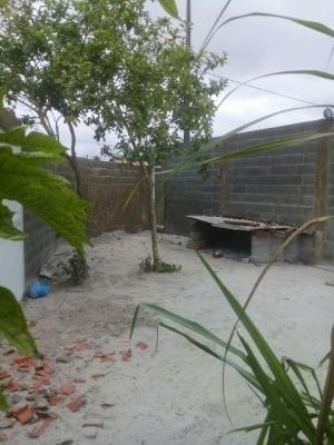 casa em fase de acabamento no jardim jamaica, em itanhaém