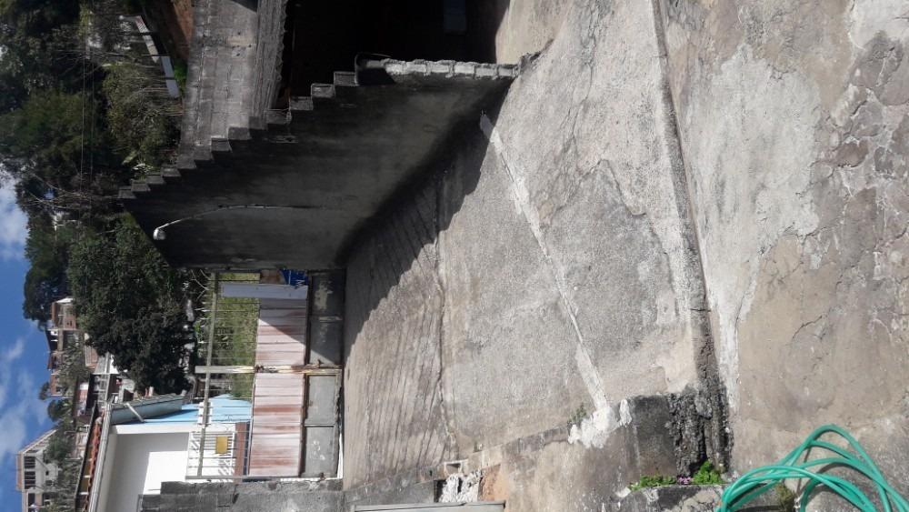casa em igarata,bairro prainha,100 metros da represa