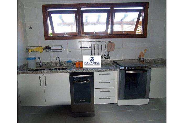 casa em imbassaí, cond. fechado -r$ 1.050.000,00- 375m² - v68371