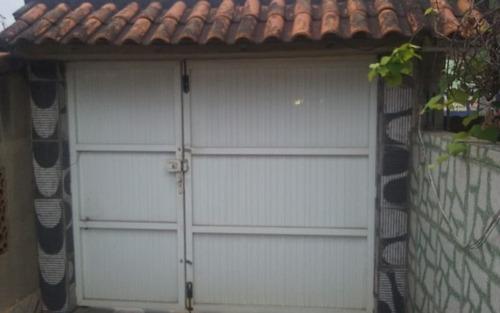casa em itaipuaçu, com 2 quartos, perto da praia, comércio.
