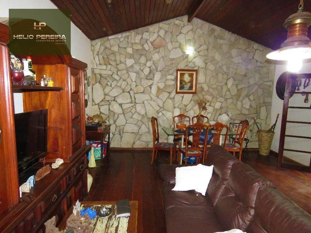 casa em itaipuaçu com 5 suítes, piscina e churrasqueira, duas quadras da praia - ca0255