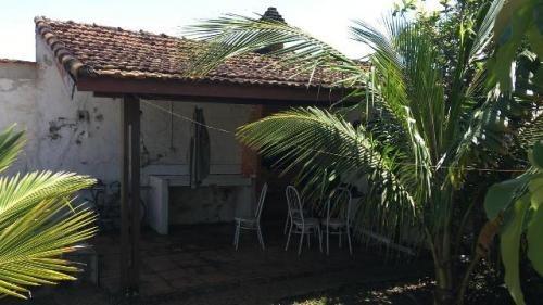 casa em itanhaém 02 quartos, com escritura, piscina. visite!
