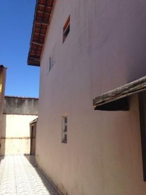 casa em itanhaém, 2 dormitórios, lado praia - ref 2695-p