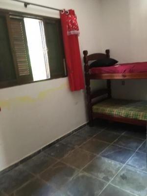 casa em itanhaém com 2 dormitórios, tendo garagem