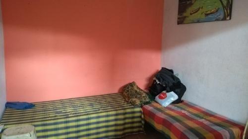 casa em itanhaém com 4 quartos, ótimo preço, lado praia!