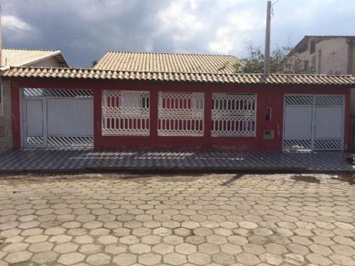 casa em itanhaém com 5 quartos, lado praia - ref 2842-p