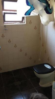 casa em itanhaém com piscina! escritura, 02 quartos. visite!