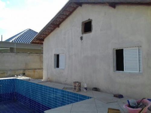 casa em itanhaém-sp, com garagem p. 8 automóveis e piscina!