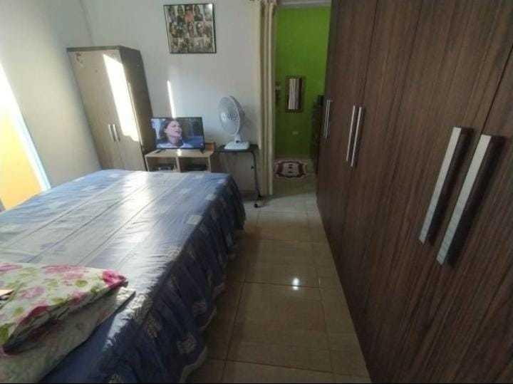 casa em jandira com 4 cômodos e com 2 banheiros+lavanderia