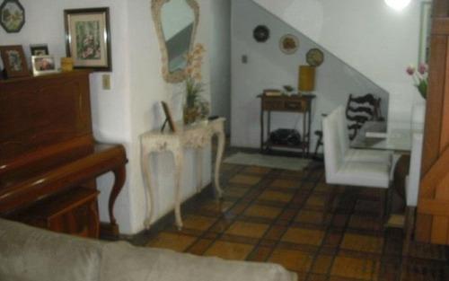 casa em jurerê dividida em casa com 7 dormitórios e apartamento com 3 dormitórios!