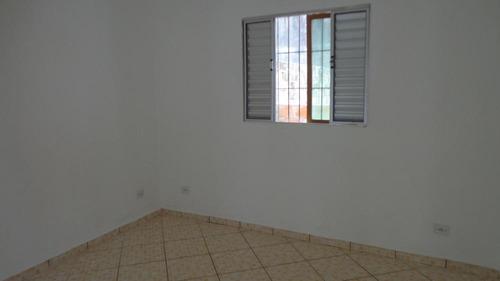 casa em meio lote sem ser geminada. ref. 328 e 205 cris