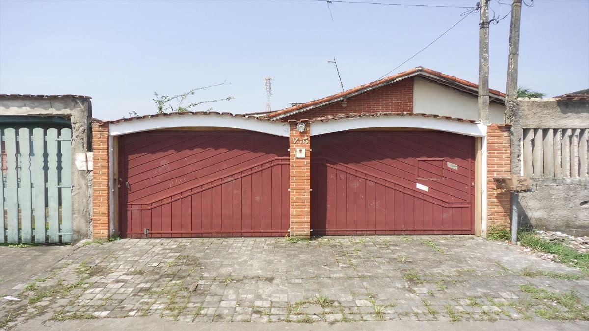 casa em mongaguá bairro residencial com moradores  c835