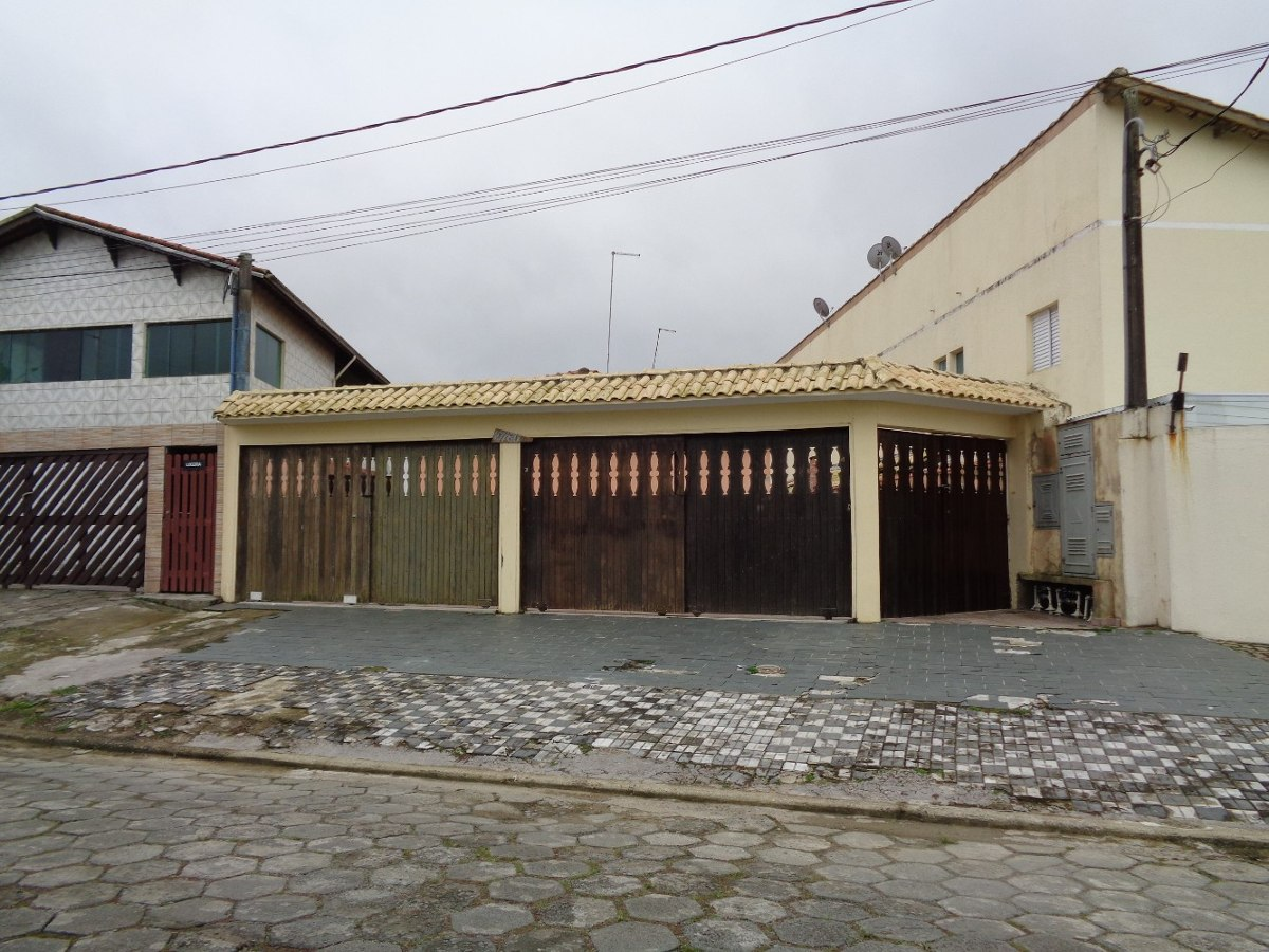 casa em mongaguá lado praia, r$ 135 mil. oportunidade! c4989