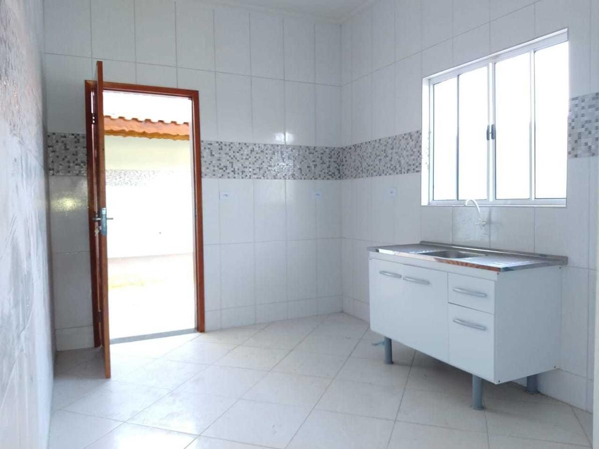 casa em mongaguá, lindo acabamento e espaçoso quintal 7951 c